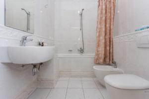 Rastrelli bathroom